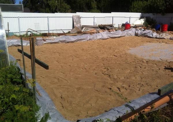 Песчаная подушка под плитный фундамент