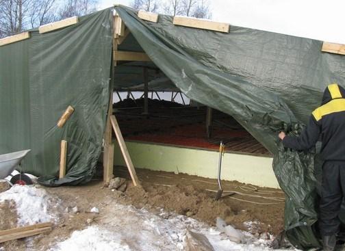 Тепляк для заливки фундамента зимой