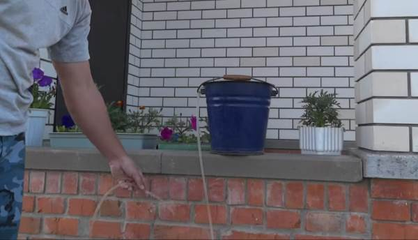 Заправка гидроуровня водой