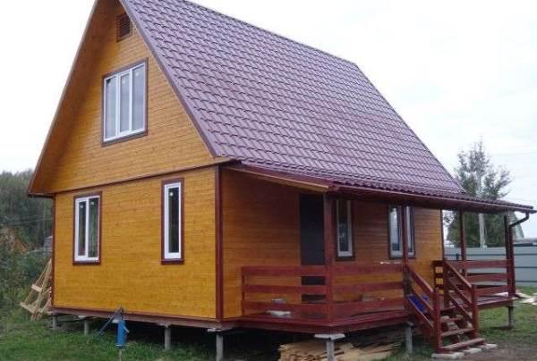 Дачный домик на винтовых сваях