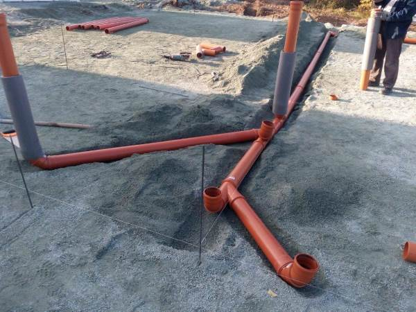 Ввод канализации под плитным фундаментом