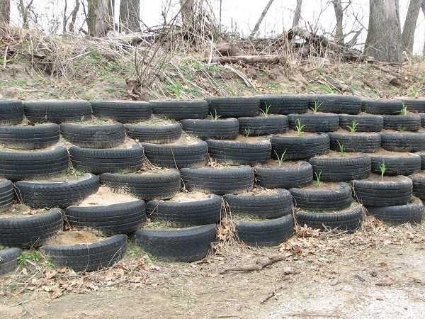 Подпорная конструкция из шин