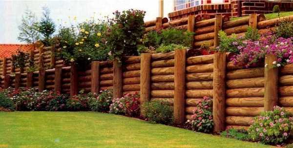 Сборная деревянная подпорная стена