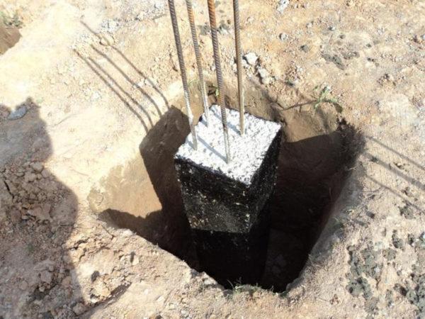 Готовый столб с гидроизоляцией